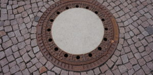 Manhole coverDSC00968